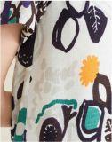 La manera del verano imprimió lo más tarde posible la alineada de las mujeres de la funda del cortocircuito del garrapatos del telar jacquar