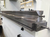 Máquina de dobra hidráulica da placa de aço de carbono Wc67y-100X2500