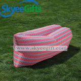 屋外のスリープの状態であるソファーの膨脹可能なエアーバッグの空気ソファー
