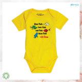 Il bambino giallo di colore copre il bambino su ordinazione Onesie di formato