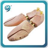 女性の靴の木の人の靴の木