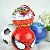 Kundenspezifische Metallweihnachtskugel-Form-Süßigkeit-verpackenzinn-Kasten, Weihnachtszinn-Kasten mit hängender Zeichenkette