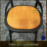 고대 내구재 x 등나무 방석을%s 가진 교차하는 뒤 포도 수확 금속 의자
