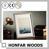 Natürlicher Walnuss-festes Holz-Foto-Bilderrahmen für Tischplattendekoration