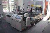 El equipo del CNC se utiliza para el corte del vidrio