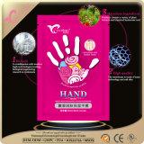 La STAZIONE TERMALE della mano rimuove la pelle guasto dura che imbianca la mascherina della sbucciatura
