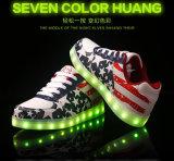 11のモードの照明のほとんどのクリスマスの方法平らなLED偶然靴
