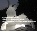 ナイトクラブの装飾のための膨脹可能で白いウサギのバニーをつけること