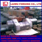 開いた重い鋼鉄鍛造材のクランク軸は造ることを停止する