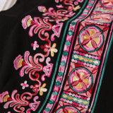 衣服のアクセサリのための多彩な民族様式の刺繍のレースファブリック