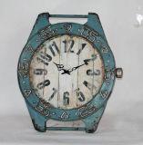 旧式な再生の金属の腕時計のクロック