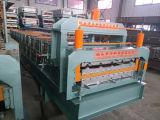Panneau de toit de double couche formant la machine