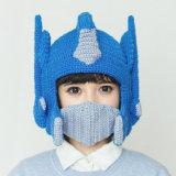 おかしい変圧器のハンドメイドの編む編まれた冬の帽子