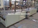 Las tiras de plástico perfil pequeño que hace la máquina