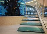 """Scala dell'interno di Cuved delle scale del vetro """"float"""""""