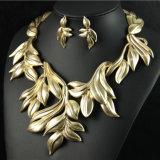 De Juwelen van de Manier van de Ketting van de Tegenhangers van het Kristal van de halsband