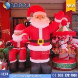 Natale gigante gonfiabile poco costoso all'ingrosso il Babbo Natale gonfiabile della Santa della fabbrica