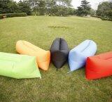 2016 le modèle le plus neuf Airsofa de gonflage en nylon, 10 secondes complètent le sac de couchage léger de temps chaud