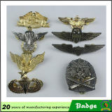 Saleのための旧式なBrass Plating Eagle Shape Metal Badges