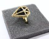 De Steen van Faux met zegent de Ring van de Diamant