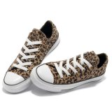 Cheap Prices를 가진 낮은 Cut Comfortable 브라운 Leopard Canvas Shoes