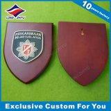 Kundenspezifische Metallplatten- und hölzerne Trophäe für Andenken-Plakette