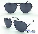 Gafas de sol a estrenar del metal del diseñador para los hombres con su insignia (DM1039TL)