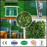 La falsificación artificial revestida del PVC del nuevo diseño del jardín planta el seto y las cercas