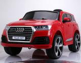 Neues Kind genehmigte Fahrt 2016 auf Auto-Spielzeug Audi Q7 offene Tür