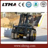 Ltma 10 Tonnen-Dieselgabelstapler, der in raues Gelände-Zustand arbeitet