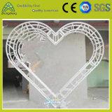 パフォーマンス結婚式の装飾のための構造最も強いトラスデザインハート形アルミニウムトラス