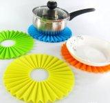 De creatieve het Ontwerpen Mat van het Diner van de Vouwen van Potholder van het Silicone