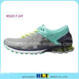 Nuevos zapatos del deporte del diseño para las mujeres