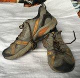 Leder u. Gewebe-Material, heißer Verkauf, gute Qualität mit preiswertem Preis der verwendeten Schuhe für afrikanischen Markt