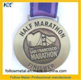 Medalha feita sob encomenda para a maratona de San Francisco, estação de acabamento