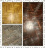 設計されるタイプおよび技術の純木のカシのフロアーリングに床を張る