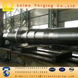 O forjamento pesado forjou o eixo da movimentação para o equipamento da grande escala