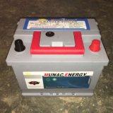 Батарея автомобиля конструкции DIN50mf серой ручки батареи красной новая безуходная