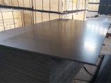 Contre-plaqué Shuttering fait face par film noir de matériau de construction de peuplier (18X1250X2500mm)