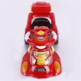 Passeio novo do carro do balanço do bebê do projeto no carro