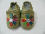 Chaussures de bébé en cuir de Folower de la mode chaude trois pleines