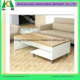 Quercia della Cina e tavolino da salotto elegante bianco