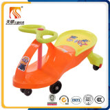 Giro classico dei giocattoli esterni del bambino sull'automobile di torsione dei capretti fatta in Cina