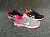 新しい販売の方法女性の偶然のスニーカーの靴