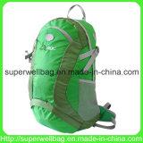 Sports imperméables à l'eau de montagne montant le sac extérieur de course