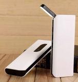 La Banca portatile di potere di piena capacità 8000mAh con il caricatore del telefono mobile della lampada 2W