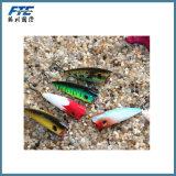 Colore cinque che sceglie il cucchiaio superiore dell'acqua che pesca richiamo duro