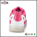 2016 últimos colores del diseño 7 que crecen los zapatos unisex de las zapatillas de deporte LED, zapatos que contellean de la luz del LED para las mujeres