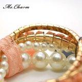 Geplaatste Armbanden van de Vrouwen van het Kant van de Bloem van de parel de Plastic Acryl Elastische Trendy