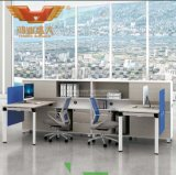 Mesa moderna da secretária do escritório com Hutch